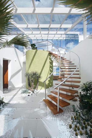 Projeto de decoração valoriza a entrada de luz nos ambientes