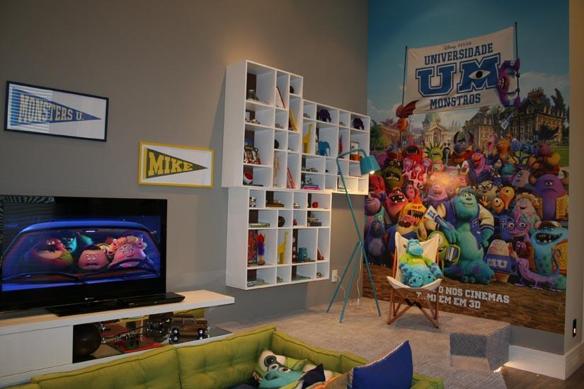 Um quarto colorido, lúdico, aconchegante e convidativo. Assim é a Suíte do Menino, espaço assinado pela arquiteta Clélia Regina Ângelo para a Mostra Casa Cor 2013. O filme