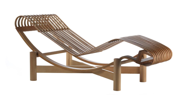 - Móvel indicado para áreas internas.</br>- Design de Charlotte Perriand.</br>- Feita com tiras de madeira de bambu.</br>- Poltrona Tokyo, à venda na Cassina.