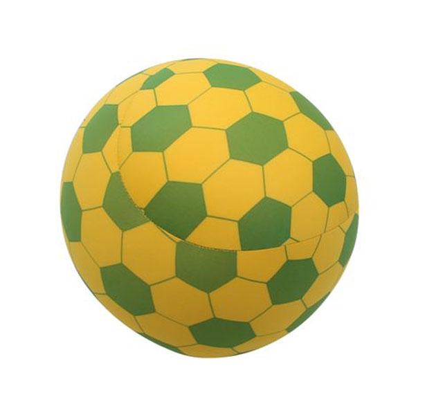 - Almofada de pescoço bola de futebol dois em um.</br>- Peça produzida em poliamida e enchimento de microperólas de poliestireno.</br>- Almofada Brasil Duo Bola de Futebol. À venda nas lojas Fom.