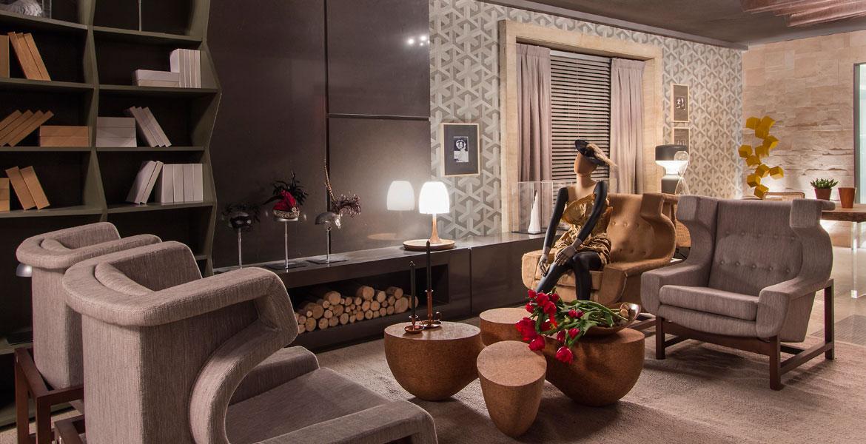 O acervo histórico do Jockey Club de São Paulo foi a fonte de inspiração para os arquitetos Rodrigo Costa e Alessandra Marques, do Studio Costa Marques criarem o Lounge de Entrada da 28ª da Casa Cor SP.<br>