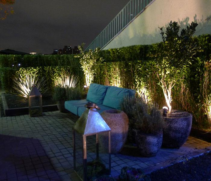 Jardim inspirado em formas e volumes