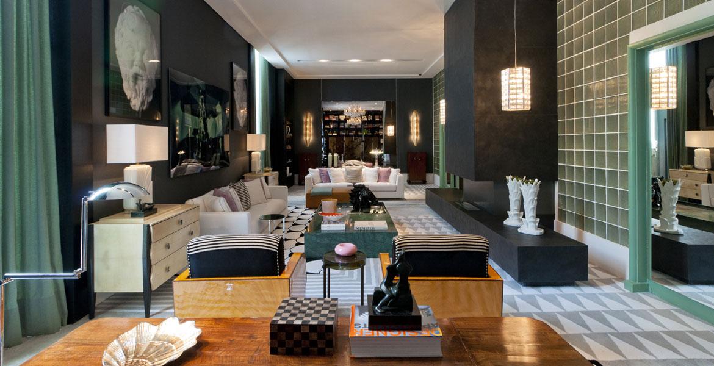 Os elementos clássicos do Hipódromo Cidade Jardim do Jockey Clube de São Paulo foram utilizados pelo arquiteto Toninho Noronha, de forma inovadora, para compor o contemporâneo Living do Apartamento do Casal. Muito verde, preto, branco e variações de cinza foram utilizados.