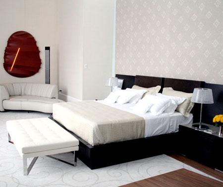 O designer Oscar Mikail mostra seu espaço na Casa Cor 2009