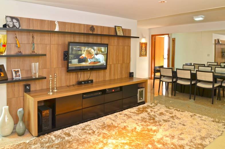 Os proprietários queriam um apartamento aconchegante, com uma decoração mais sóbria, cores básicas e elegantes, sem a utilização de itens que não fossem duradouros.