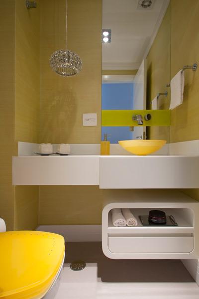 Decoração colorida une design e sofisticação