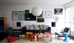 Apartamento dos anos 60 mescla estilos de decoração