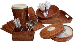 Liquidação de móveis e objetos de decoração