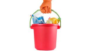 Kit básico para limpeza da casa