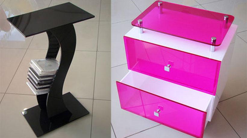 Mesa porta CD e rack gaveteiro.