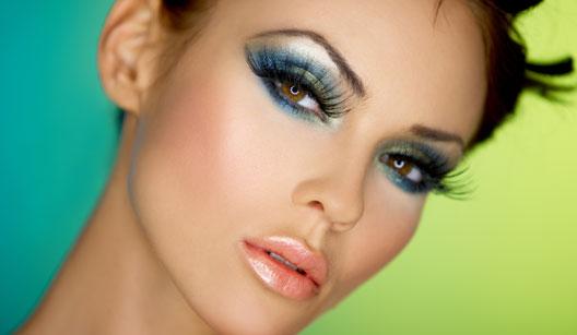 Maquiagem colorida para o natal