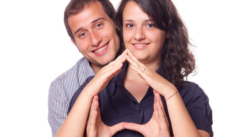 casal planejando compra do imóvel
