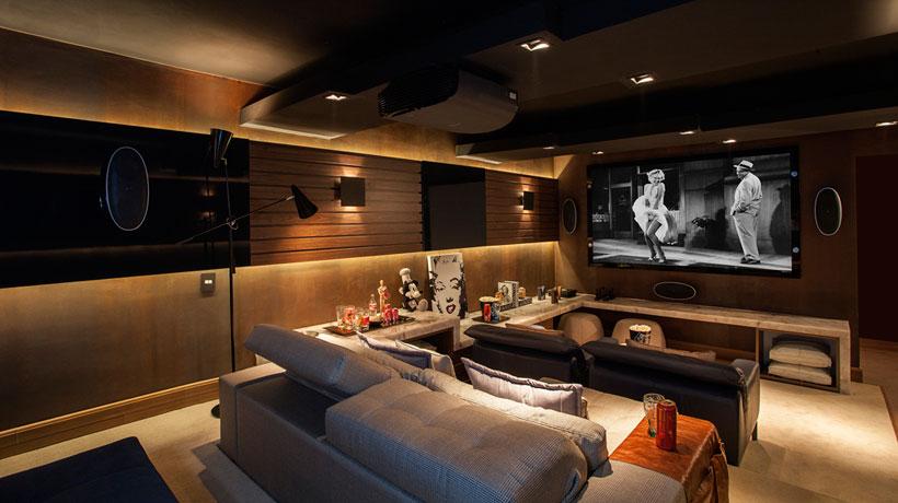 Como montar um cinema em casa