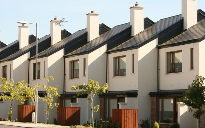 casas iguais em condomínio horizontal