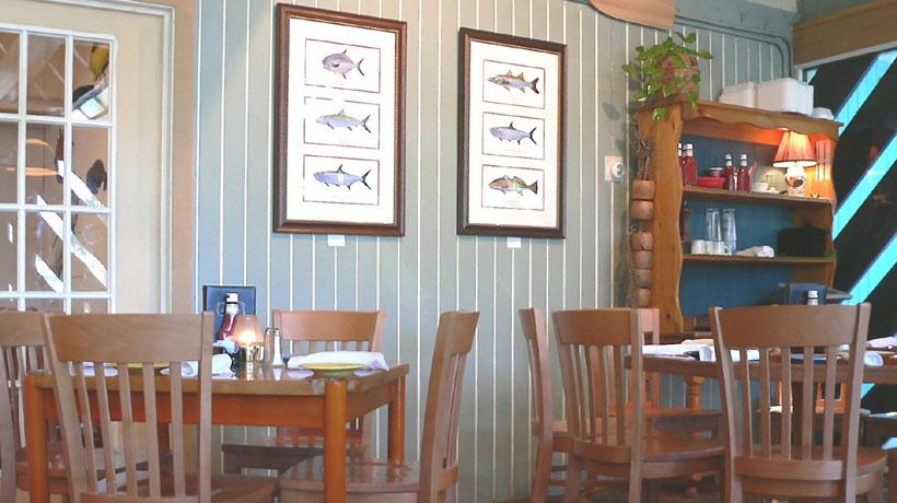 Decoração navy em um restaurante