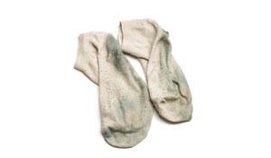 Como remover o encardido das meias