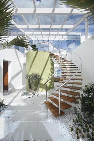 Hall de entrada com escada