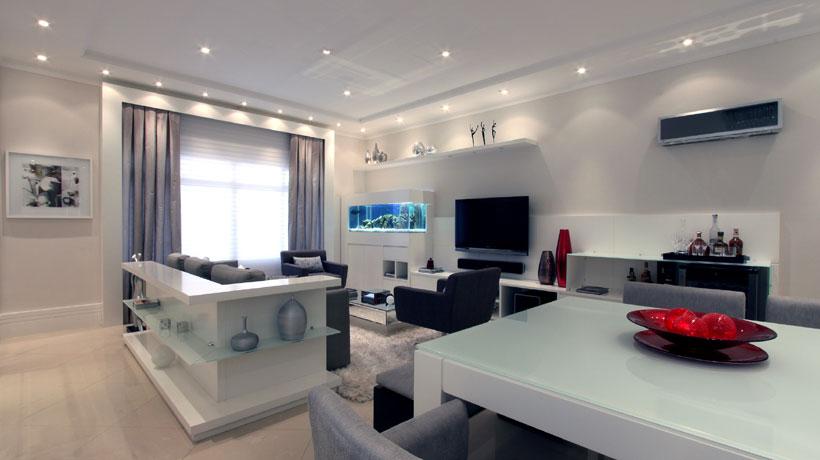 Ambiente decorado com aparador