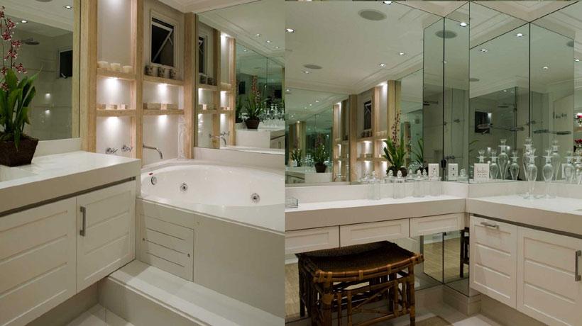 Banheira redonda em banheiro branco