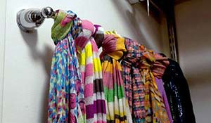 Como usar porta-toalhas para organizar tudo