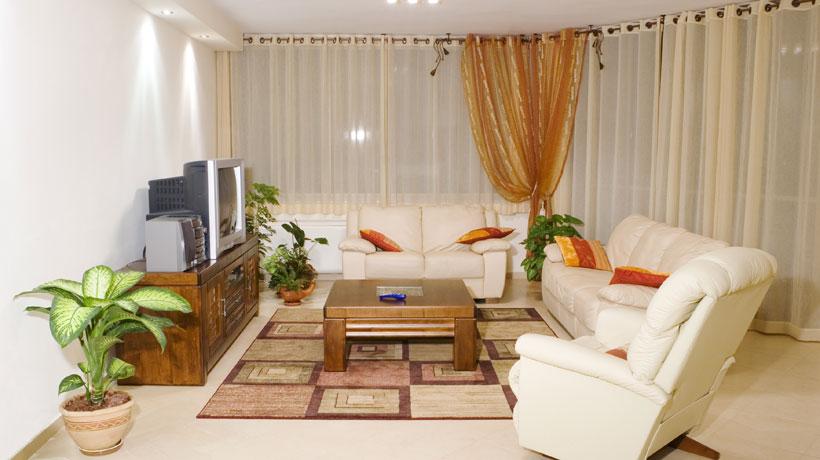 Sala decorada com princípios feng shui