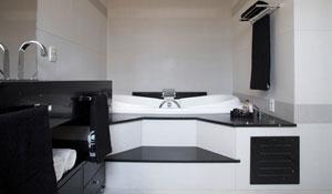 Decoração de banheiros favorece praticidade