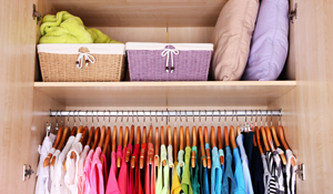 Como limpar o guarda-roupa