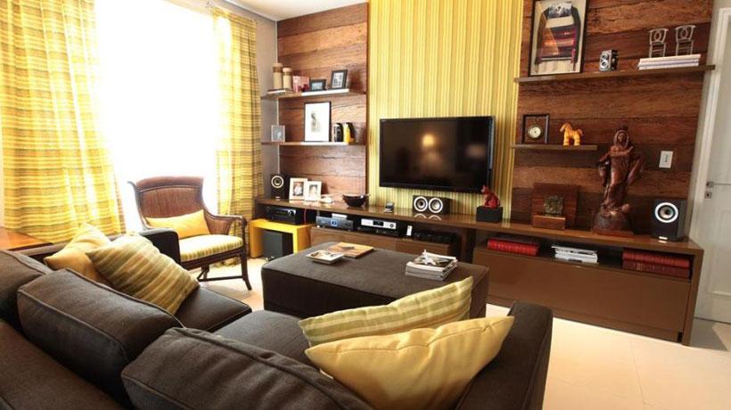 sala de cinema em casa com TV