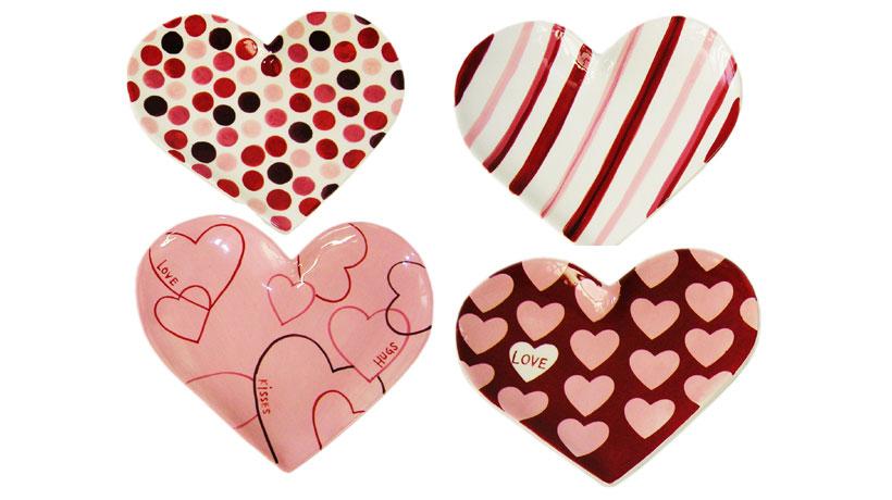 Jogo de pratos de sobremesa em formato de coração