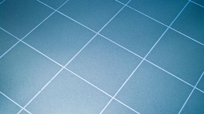 piso de cerâmica azul