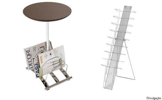 Mesa com revisteiro e revisteiro para parede