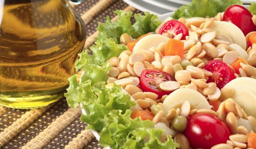 Salada de soja com tomate-cereja