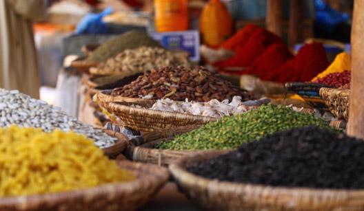 mercado de temperos em Marrocos