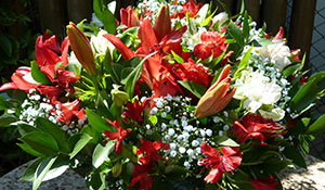 Como fazer um arranjo floral com espuma vegetal