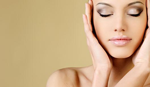 A maquiagem perfeita exige um ritual minucioso