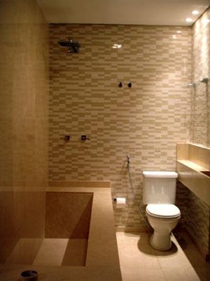Banheira de alvenaria para pequenos espaços