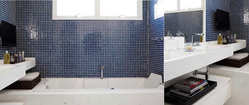 Sala de banho com banheiro e Tv