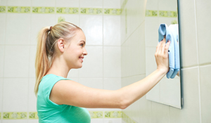 Como evitar manchas escuras de espelhos