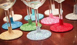 Como decorar taças com glitter para festas