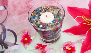Aprenda a fazer uma luminária com água, confete e serpentina