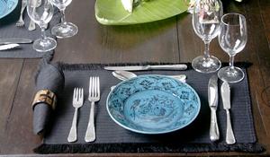 Colocando a mesa e seus talheres