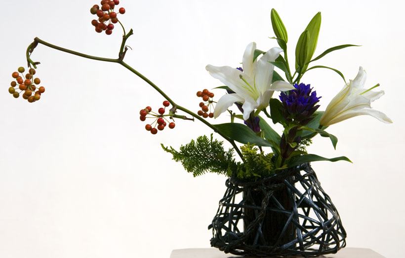Ikebana agrega beleza e filosofia