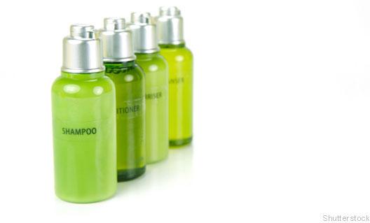 Miniaturas de vidros de shampoo verdes