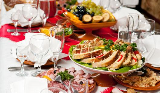 Mesa pratos e taças
