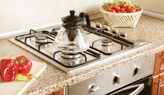 Bancada com cooktop e forno embutido