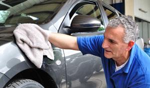 Como lavar o carro sem utilizar água